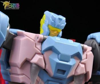 [TFC Toys] Produit Tiers - Jouet Poseidon - aka Piranacon/King Poseidon (TF Masterforce) - Page 2 KvUY0lDk