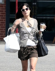 Selma Blair - at a car wash in LA 4/5/13