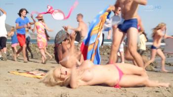 Nackt Chloe Bridges  Chloe Bridges