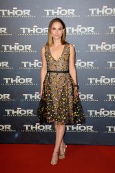 Natalie Portman - 'Thor: The Dark World' premiere in Paris 10/23/13