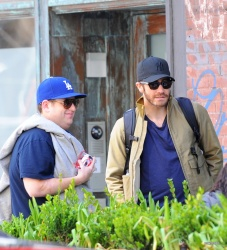 Jake Gyllenhaal & Jonah Hill & America Ferrera - Out And About In NYC 2013.04.30 - 37xHQ ROq04rNc