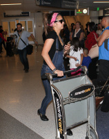 Nina Dobrev at LAX Airport (March 27) KRHLEtwT