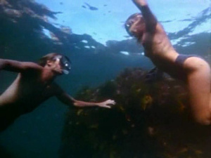 Rebecca Cross, Amanda Newman-Phillips @ Wet and Wild Summer (AU 1992)  CWv9P7cq