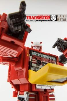 [KFC Toys] Produit Tiers - Jouet Transistor (aka Blaster/Tempo) + DoubleDeck (Twincast) + Fader (aka Eject/Éjecteur) + Rover (aka Autoscout) - Page 2 NyaJ0hfi
