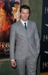 Richard Armitage - attends 'The Hobbit An Unexpected Journey' New York Premiere benefiting AFI at Ziegfeld Theater in New York - December 6, 2012 - 14xHQ PrtnmNwK