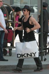 Ian Somerhalder - Took a taxi in Soho on New York City 2012.05.12 - 9xHQ UOz2OSPf