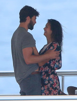 Nina Dobrev and Asustin Stowell enjoy the ocean off the cost the French Riviera (July 26) Y7u1pXEj
