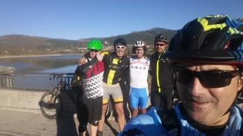 08/11/2015: Manzanares el Real - Embalse Navacerrada - Navalmedio - Senda Ortiz - La Barranca - GR10 - Mataelpino  QiF3WFOc