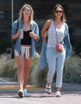Jessica Alba Shopping with friends in Malibu July 4-2015 x27