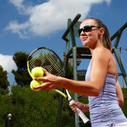 Martina Hingis - Maui Jim Sunglasses (2014)