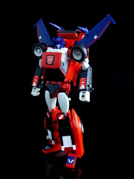 [Masterpiece] MP-25L LoudPedal (Rouge) + MP-26 Road Rage (Noir) ― aka Tracks/Le Sillage Diaclone - Page 2 Gr3Ml0iR