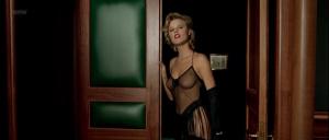 Eva Herzigova, Jennifer Herrera, Eva Grimaldi (nn) @ Les Anges Gardiens (FR 1995) [1080p HDTV]  Hn5py37f