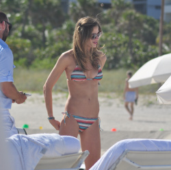absCtbNA Ana Beatriz Barros in a bikini in Miami Beach   December 7, 2012   35 HQ candids