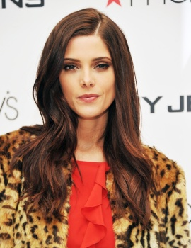 Ashley Greene AavlPEbf