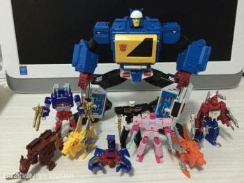 [KFC Toys] Produit Tiers - Jouet Transistor (aka Blaster/Tempo) + DoubleDeck (Twincast) + Fader (aka Eject/Éjecteur) + Rover (aka Autoscout) T8Q1Lbgs