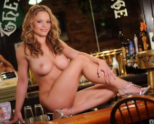 qKXw275i Angie Blauch Americas Sexiest Bartender