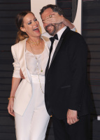 """Leslie Mann """"2015 Vanity Fair Oscar Party hosted by Graydon Carter at Wallis Annenberg Center for the Performing Arts in Beverly Hills"""" (22.02.2015) 126x  7ouHVfjq"""
