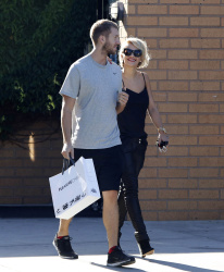 Calvin Harris and Rita Ora - out and about in Los Angeles - September 18, 2013 - 16xHQ RnUv9BSt