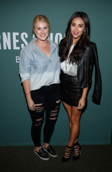 Shay Mitchell - Promoting her book 'Bliss' at Barnes ...