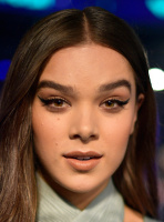 Hailee Steinfeld -                   MTV Video Music Awards Los Angeles August 27th 2017.