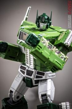 [Masterpiece] MP-10B | MP-10A | MP-10R | MP-10SG | MP-10K | MP-711 | MP-10G | MP-10 ASL ― Convoy (Optimus Prime/Optimus Primus) - Page 4 YkMd91oW
