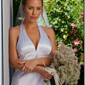 Nicole aniston married