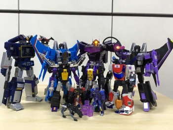 [Fanstoys] Produit Tiers - Jouet FT-12 Grenadier / FT-13 Mercenary / FT-14 Forager - aka Insecticons - Page 3 Y3BaH8CF