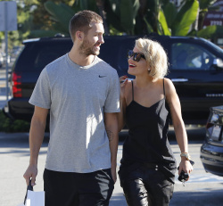 Calvin Harris and Rita Ora - out and about in Los Angeles - September 18, 2013 - 16xHQ BKO8LmS2