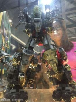[GCreation] Produit Tiers - Jouet ShuraKing - aka Combiner Dinobots - Page 2 Fxz4Az0v