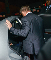 Sean Penn - Charlize Theron and Sean Penn - seen leaving Royal Festival Hall. London - February 16, 2015 (153xHQ) D4Avty1N