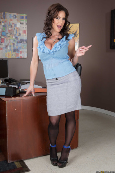 Kendra Lust Phoenix Marie - Goldmilf Ballsachs Incorporated  03-10