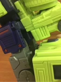 [Toyworld] Produit Tiers - Jouet TW-C Constructor aka Devastator/Dévastateur (Version vert G1 et jaune G2) - Page 4 AnQTZ8qm