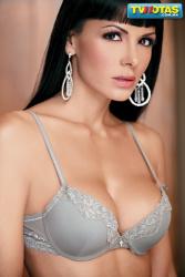 Vanessa Arias topless