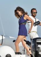 Nina Dobrev with her boyfriend Austin Stowell in Saint-Tropez (July 24) YXK15O8w