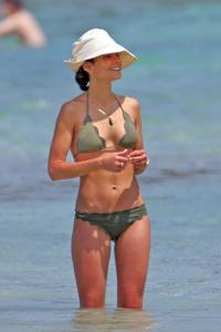 Jordana Brewster | Bikini, Hawaii | 04/07/17