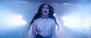 Tabron nackt Delaney  /Nude: Celebrities