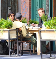Jake Gyllenhaal & Jonah Hill & America Ferrera - Out And About In NYC 2013.04.30 - 37xHQ 0bhaA5PO