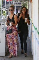 Nina Dobrev with Hilary at Alfred Coffee & Kitchen in West Hollywood (July 29) 3BZA0ULL