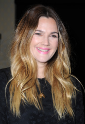 Drew Barrymore - Wildflower Book Signing @ Barnes & Noble at The Grove in Los Angeles - 11/04/15