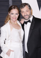 """Leslie Mann """"2015 Vanity Fair Oscar Party hosted by Graydon Carter at Wallis Annenberg Center for the Performing Arts in Beverly Hills"""" (22.02.2015) 126x  XctDbiib"""