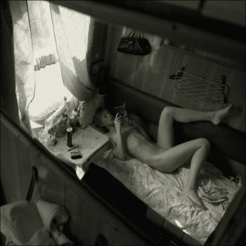 фото и видео голые в купе поезда