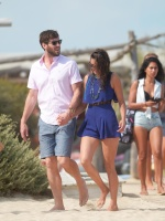 Nina Dobrev with her boyfriend Austin Stowell in Saint-Tropez (July 24) 78qBP3mB