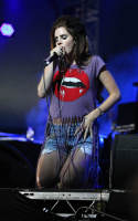 Лана Дель Рей, фото 277. Lana Del Rey performing at the Isle of Wight Festival in Newport - 22/06/12, foto 277