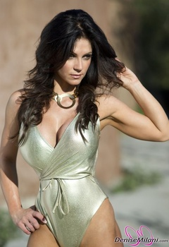 Дениз Милани, фото 4881. Denise Milani Gold One-Piece (Low Quality), foto 4881