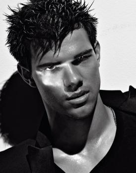 Taylor Lautner - Imagenes/Videos de Paparazzi / Estudio/ Eventos etc. - Página 38 AdbzuYnS