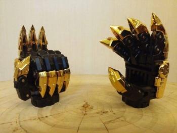 [Toyworld][Zeta Toys] Produit Tiers - Jouet TW-D aka Combiner Dinobots PtN3tTht
