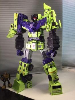 [Toyworld] Produit Tiers - Jouet TW-C Constructor aka Devastator/Dévastateur (Version vert G1 et jaune G2) - Page 7 WFAFPncW