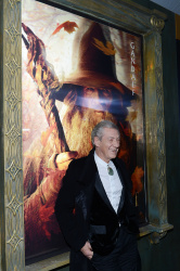 Ian McKellen - 'The Hobbit An Unexpected Journey' New York Premiere benefiting AFI at Ziegfeld Theater in New York - December 6, 2012 - 28xHQ 23kDggPj