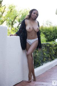 Name Photoset: 2013-09-10 Patrice Hollis Balcony Beauty
