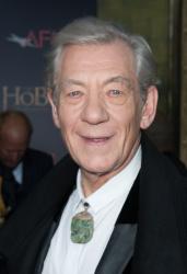 Ian McKellen - 'The Hobbit An Unexpected Journey' New York Premiere benefiting AFI at Ziegfeld Theater in New York - December 6, 2012 - 28xHQ 70vELVLu